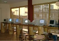 Internet-PCs in Cafe-Bar PARSEC